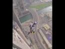 Red Bull окрыляет! Прыжок с небоскрёба в Дубае