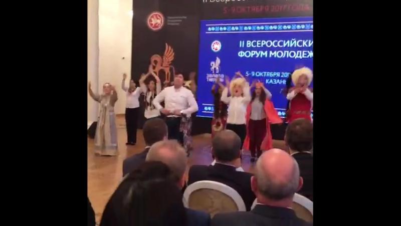 Танец дружбы народов. Якутию представляет Марианна Стрекаловская