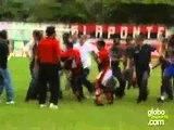 Bau do Esporte Fla goleia Madureira mas jogo termina em confus