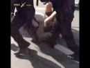 Жестокое задержание протестующей в Москве