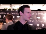 Becca Davis Gotham Red Carpet Interview with Cory Michael Smith (сентябрь 2014)