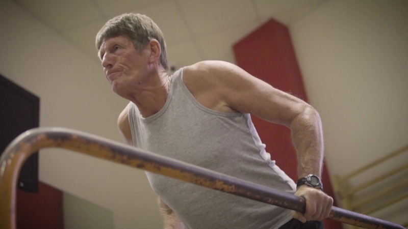 Graham - 70 Year Old Calisthenics Back Lever!