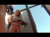 Подглядывание в пляжной раздевалке