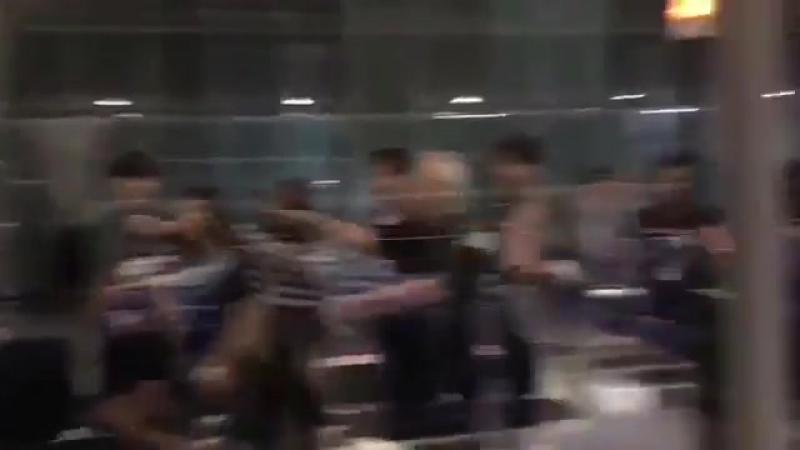 [FANCAM] 170915 Wanna One (워너원) cute @Suvarnabhumi Airport, Bangkok, Thailand