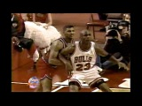 Michael Jordan Elbows LaBradford Smith! 1993
