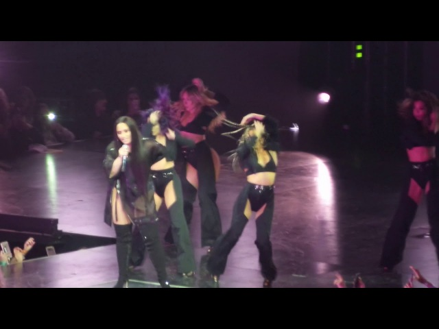 Demi Lovato - Daddy Issues (Tell Me You Love Me Tour Barclays Center) Brooklyn, NY
