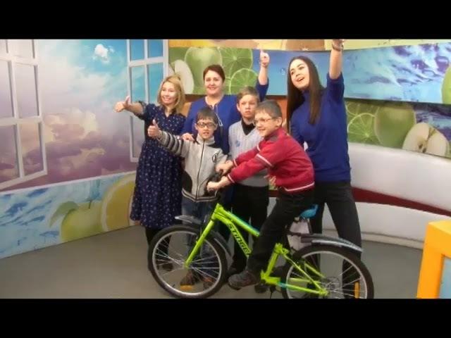 Вручение подарков детям проекта Наравнодушный Иркутск