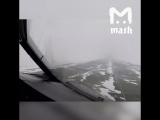 так в снегопад пилоты сажают самолет в Москве