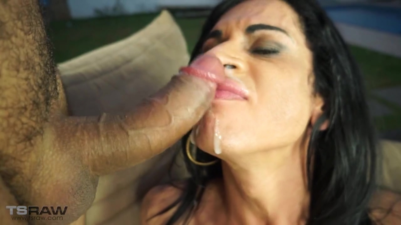 Isabela Cruz, Mouth Pissing and Outdoor Raw Sex (TSRaw)