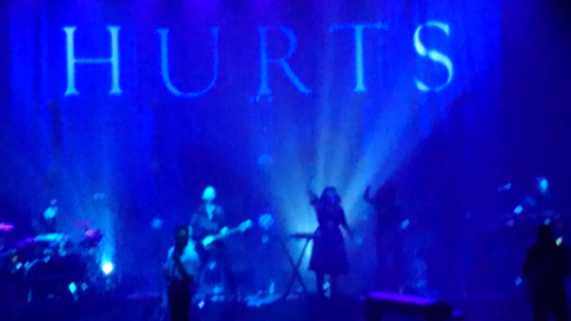 Hurts - Walk Away (Live Fesco Hall 3022018)