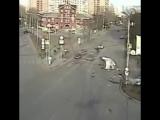 Скорая перевернулась после ДТП на пересечении улиц Перовской, Плеханова и Зелёного проспекта в Москве. Пострадали три человека.