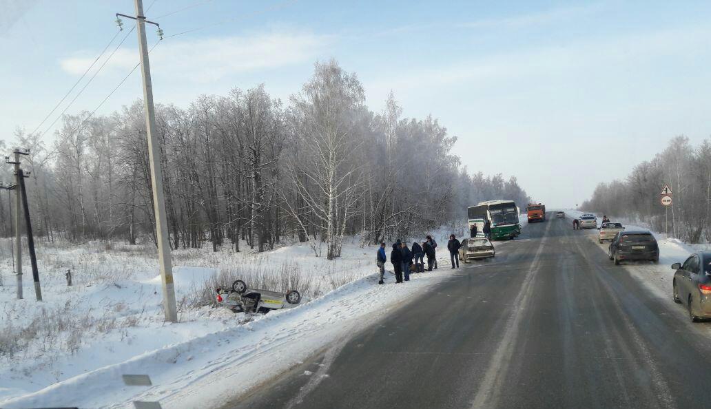 Натрассе вБугульминском районе Татарстана рейсовый автобус столкнулся слегковушкой