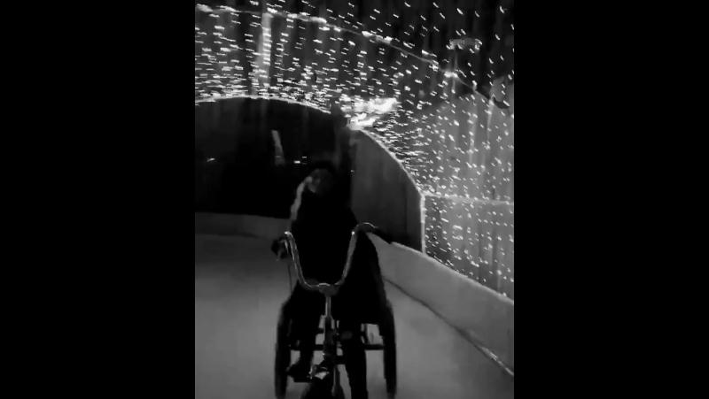 › 13 декабря 2017   Видеозапись из «Instagram» Натали Элин Линд
