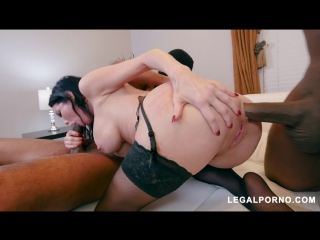 Black robbers invade veronica avluv 's ass and pussy ab003 (480)