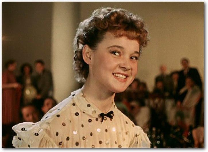 12 ноября 1935 года родилась Людмила Гурченко.