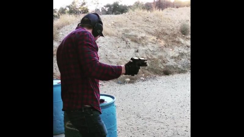 джесси коув и джей стреляют