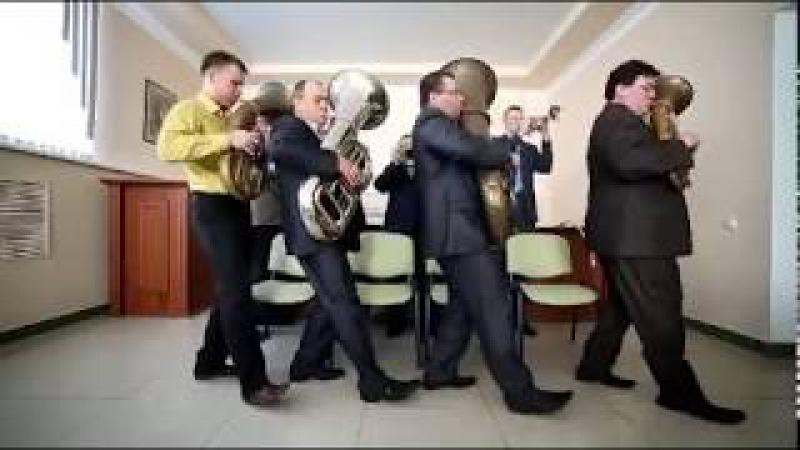 Глава Минлесхоза Оренбургской области лишился должности, снявшись в клипе со ст...