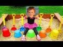 用彩色铲玩具学习颜色手指家庭歌曲在操场上玩乐玩耍 والشوكول 15