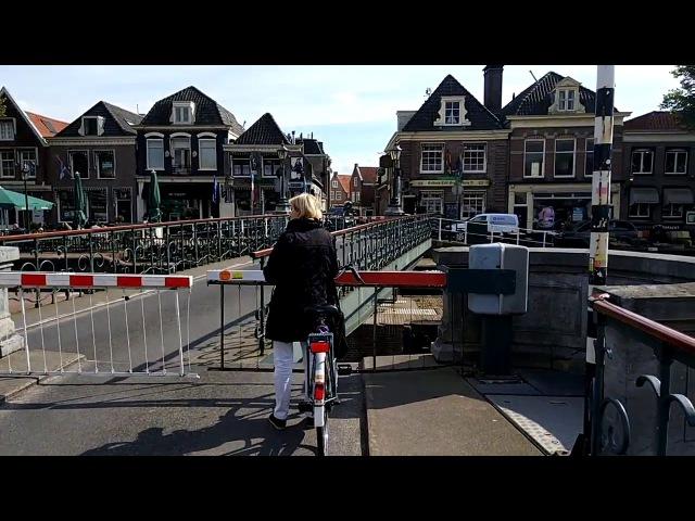 Разводной мост в городе Мёйден. Нидерланды.