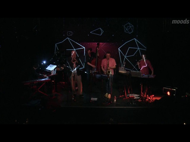 Jellici/Baldes' Space Tracker - live at Moods Zurich