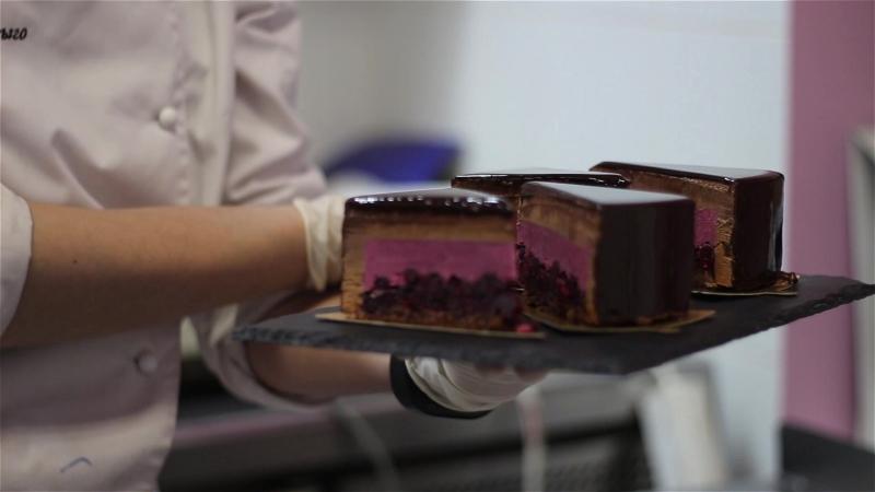 Муссовый торт Черная смородина/шоколад