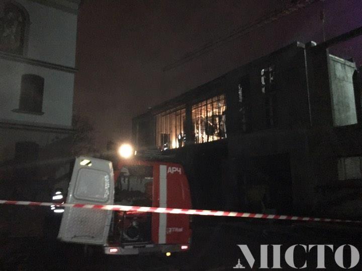 Упала новостройка - есть погибшие и раненые 18 + (Фото + Видео)