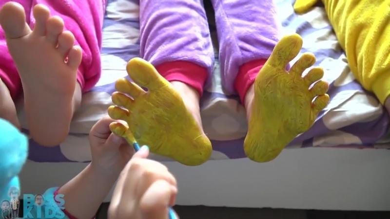 Stinky feet tickle paint