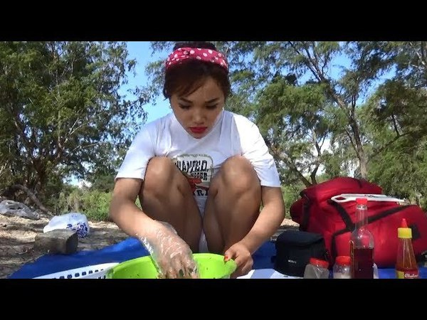 Village Foods - How to cook Raw Jellyfish in the Asea - Jellyfish Recipes - Style Cooking My Village