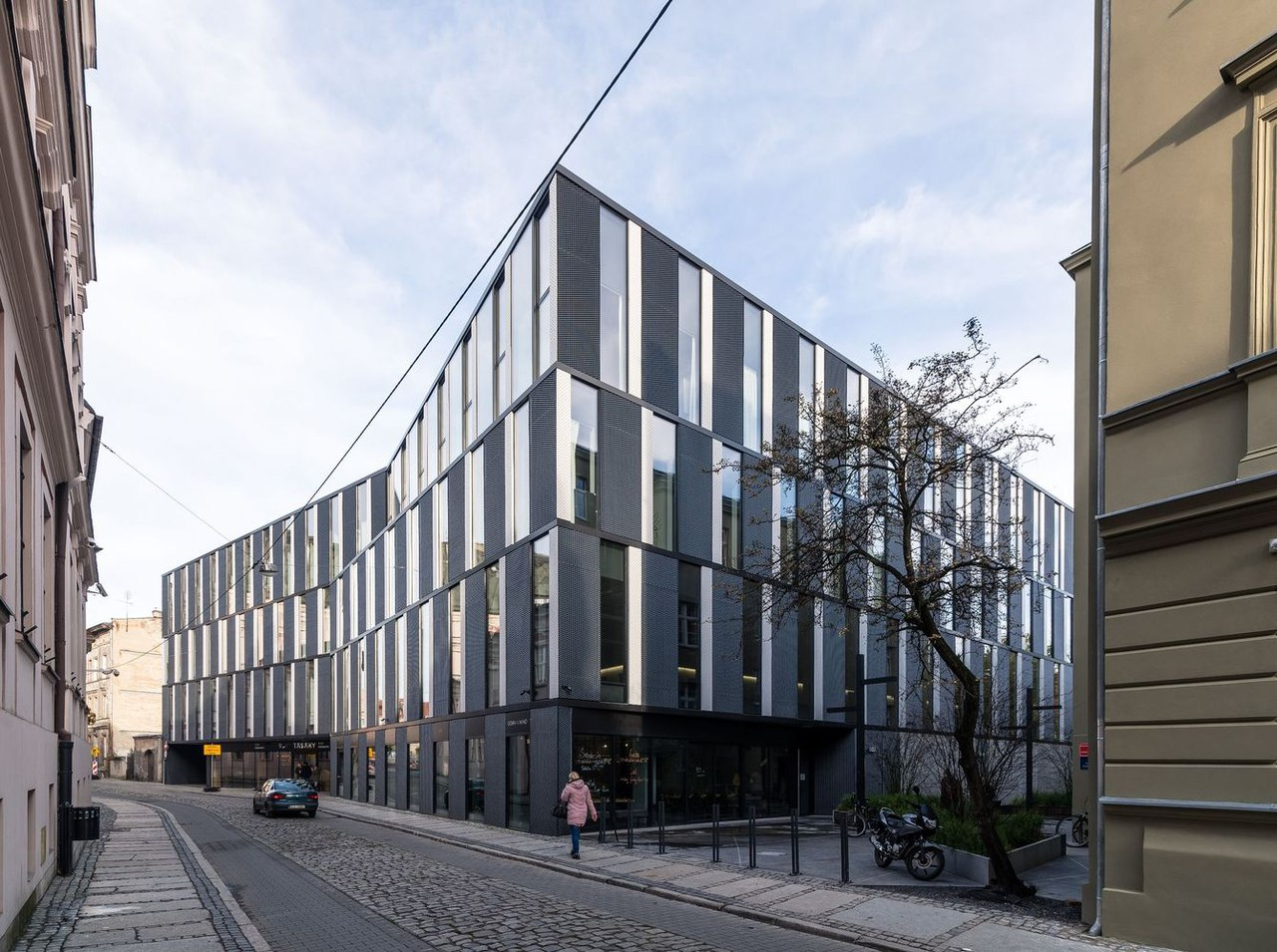 Office Building in Za bramką Street/ Ultra Architects