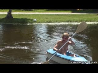 Kayak Kittens (HIGH)