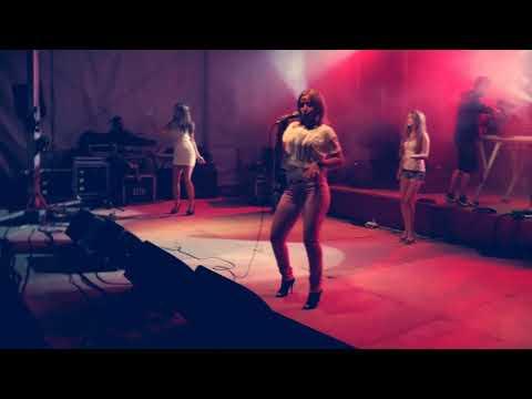 Italo Disco - Victor Ark feat Daniela BACIA ME (80's Live Video Mix) Neon Game Remix Hi NRG