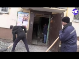 Стрим из подъезда дома в Екатеринбурге, где провалился пол