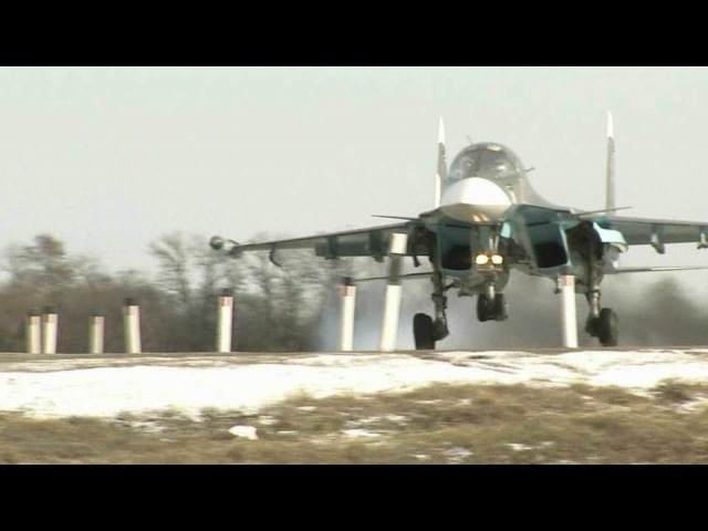 ВРостовской области вовремя учений боевые самолеты приземлилисьпрямо наавтомобильную дорогу. Новости. Первый канал