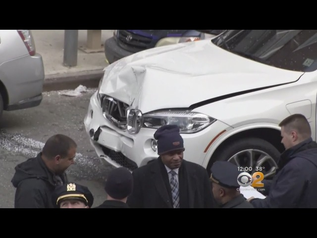 1 Dead 1 Injured In Bronx Crash