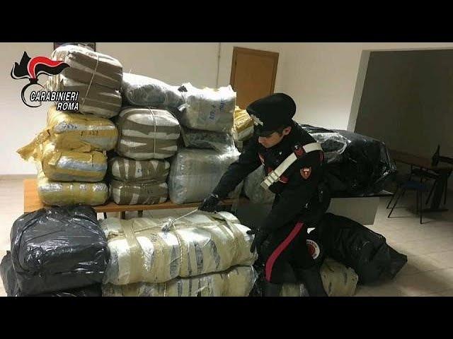 Борцам с наркоторговлей везёт по-крупному
