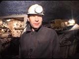 Добыча соли в шахте.