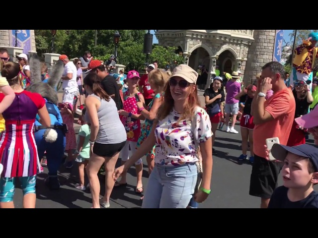 Parade in the Magic Kingdom Park, Disney Land, USA, FL, Orlando🧚♀️Парад в Дисней Ленде