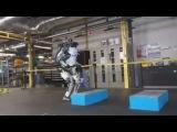 Робот делает сальто в русской озвучке (много мата)