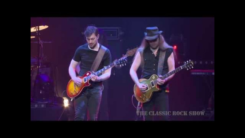Lynyrd Skynyrd Free Bird performed by The Classic Rock Show