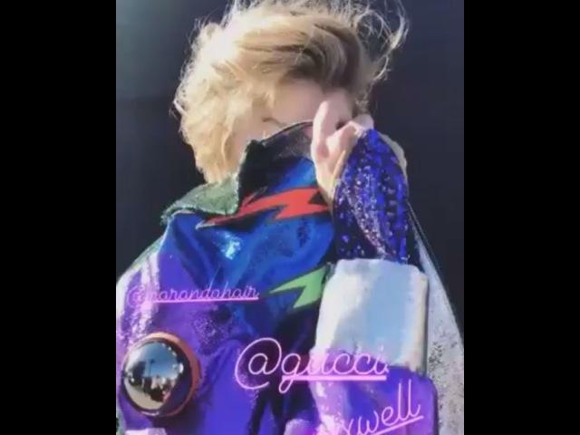 февраль 2018: Стелла на съемке Remix, Лос-Анджелес.