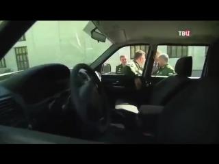 Дверную ручку военного автомобиля сломали на глазах у Путина