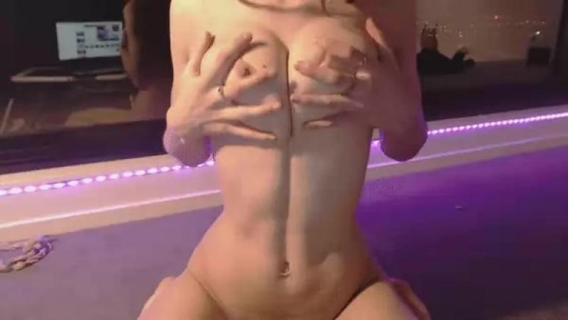 Miss Alice Эротика эротическая гифка cam girls 4324694
