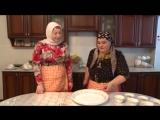 Жижиг-Галнаш (мясо с галушками), Биром (соус), Сискал (кукурузная лепёшка) (чеченская кухня) от Камета Мехтиевой. Zhizhig-Ga
