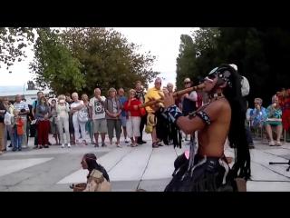 В Геленджике зрители потеряли дар речи от этого Индейца и музыки!