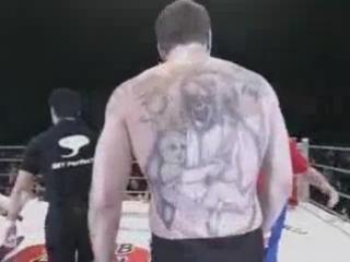 Руский Вор в Законе против профессионального бойца