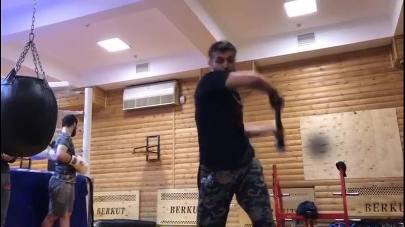 Тренировка Ислама Байбатырова