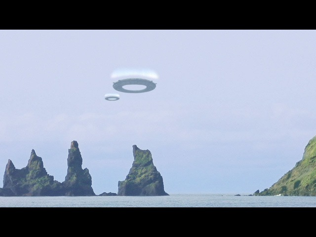 Ring-shaped UFOS filmed by Woman in ICELAND January 2018