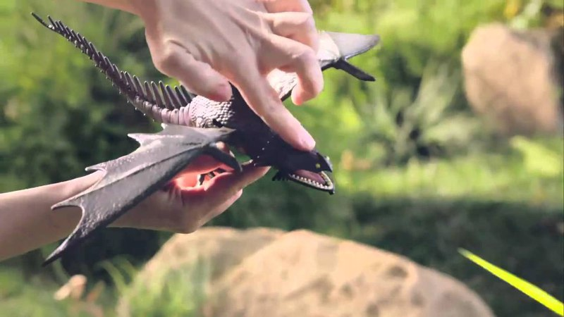 DreamWorks Dragons Action Dragons Toy Commercial