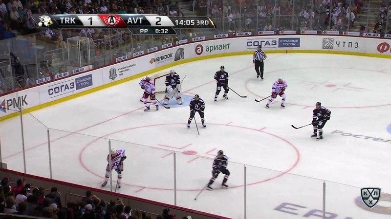 Моменты из матчей КХЛ сезона 17/18 • Сэйв. Уверенно играет на последнем рубеже голкипер челябинцев 27.08