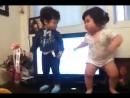 Смешные танцы детей